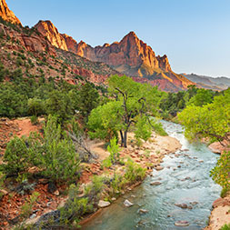 Explore multiple national parks, including the dramatic Grand Canyon.